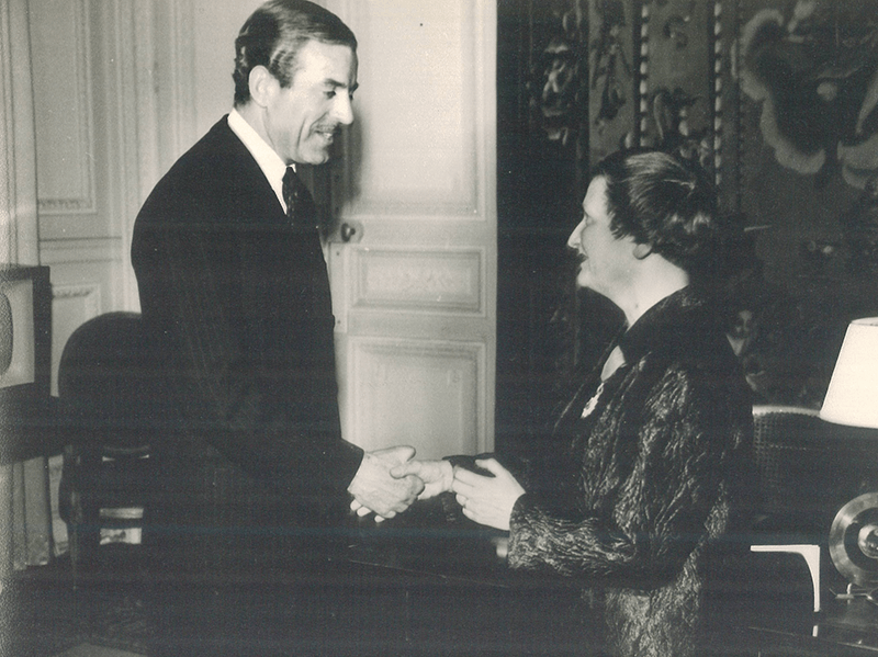 Marie Thérèse Eyquem remise légion d'honneur maurice herzog 1963