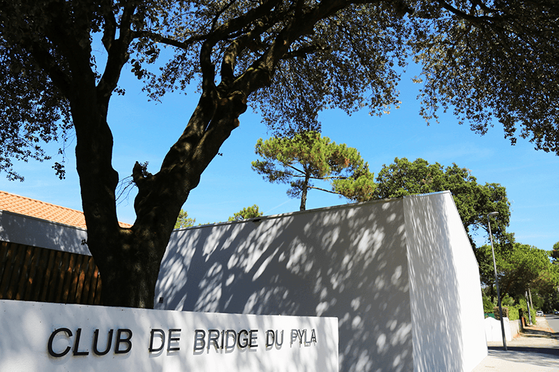 façade du club de bridge du Pyla