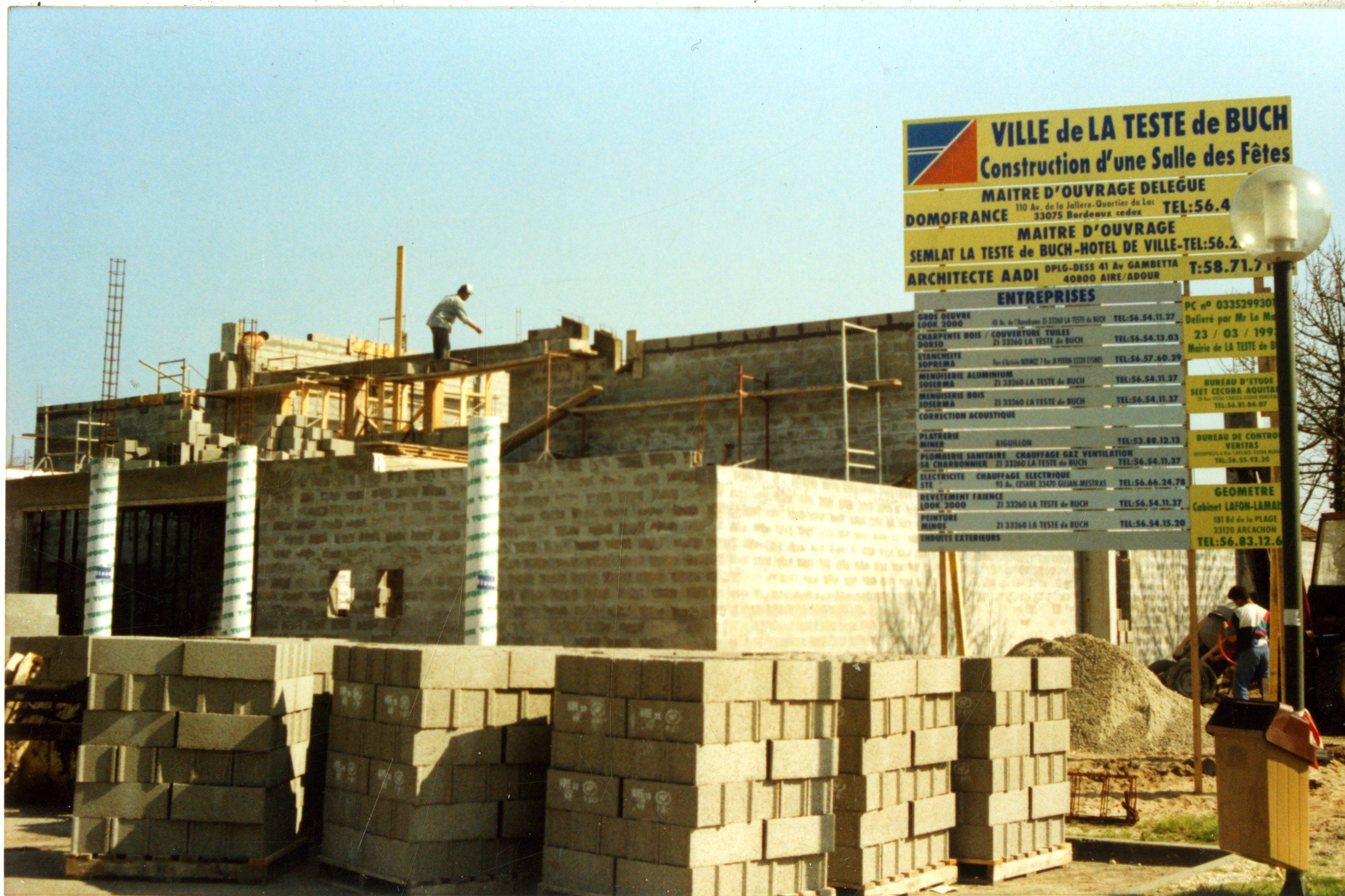 salle-des-fetes-Cravey_construction_1994